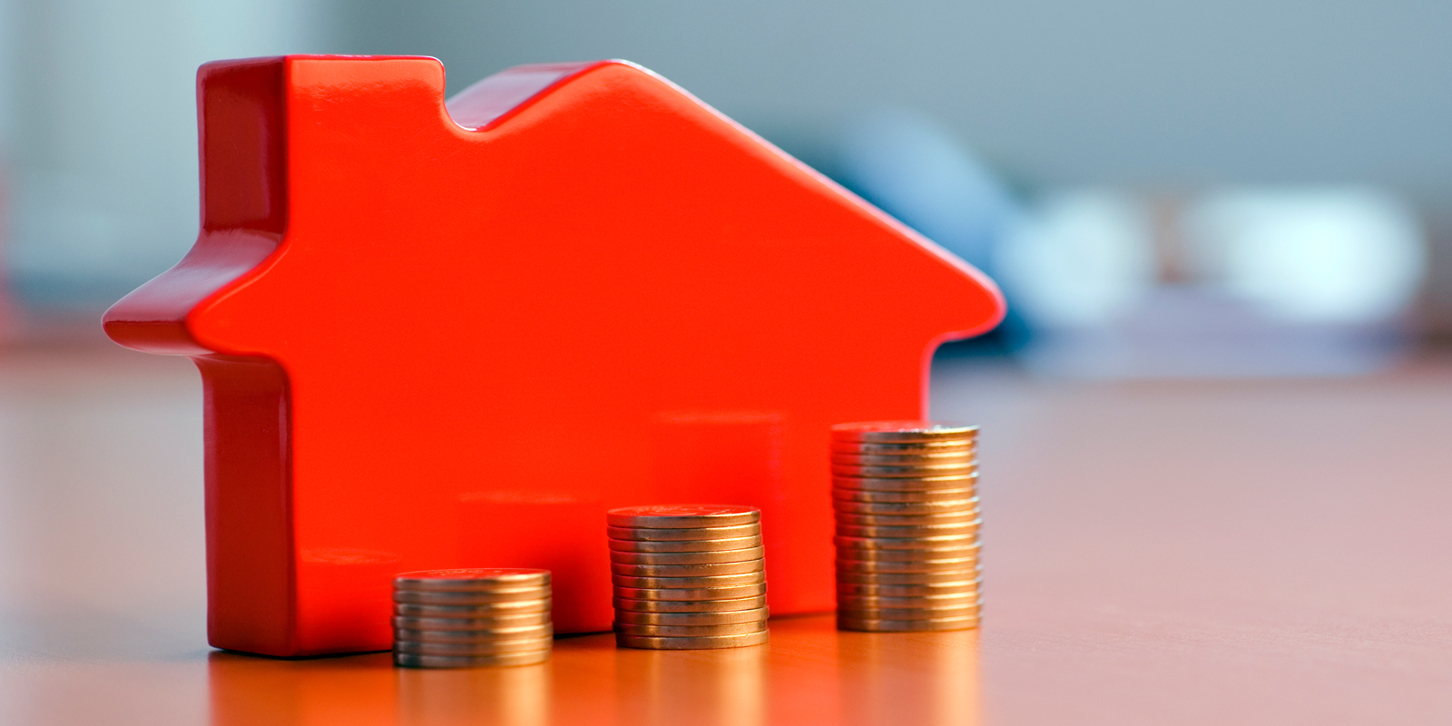 Imagery for High loan to income mortgages - if the cap fits…